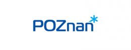 Logotyp miasta Poznań. Niebieski napis na białym tle - POZNAŃ Z GWIAZDKĄ NAD OSTATNIĄ LITERĄ