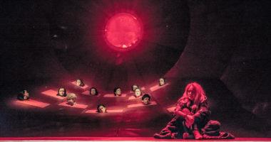 """""""Trojanki"""" wg Eurypidesa, reż. Kamila Michalak, scena zbiorowa, fot. Maciej Zakrzewski"""