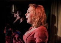 Śpiewające aktorki. Na zdjęciu Kornelia Trawkowska, Joanna Drozda oraz Sylwia Achu